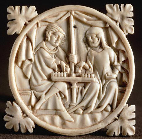 Ivory Carving of Couple Playing Chess 14 с