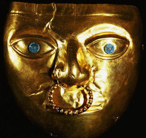 La Tolita Gold Mask with a Nose Ring са. 300 ВС