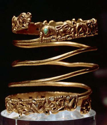 Gold Bracelet With Bas-relief Decorations