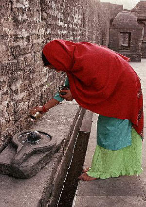 Hindu Woman at Baijnath Temple